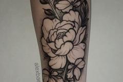 dot-work-alex-baens-mediano-brazo-antebrazo-flores
