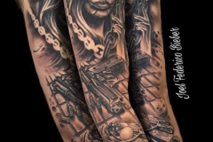 inferno-tattoo-barcelona-realismo-negro-y-gris-joel-federico-bieber-grande-brazo-cathrina