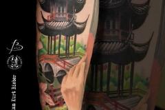 realismo-japones-color-christian-kurt-bieber-grande-brazo-antebrazo-pagoda-puente-JPG