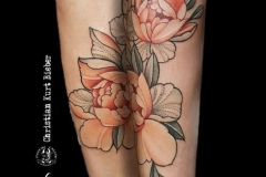inferno-tattoo-barcelona-christian-kurt-dot-work-flores-color