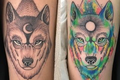 inferno-tattoo-barcelona-geometrico-puntillismo-alex-baens-mediano-brazo-lobo-color