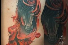inferno-tattoo-barcelona-christian-kurt-caballo-sant-jordi-catalunya-grande-costillas-espalda