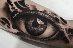 ojo-tattoo-negro-gris-hector-mateos-inferno-tattoo-barcelona