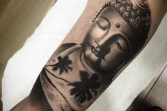 hector-mateos-inferno-tattoo-barcelona-realismo-negro-gris-indu