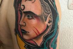 inferno-tattoo-barcelona-neotradi-alex-baens-mediano-brazo-retrato