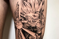 bola-dragon-tattoo-tattoo-ilustracion-blackwork-pierna-tamaño-grande