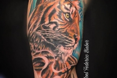 inferno-tattoo-barcelona-joel-federico-tigre-color-interior-brazo-cover