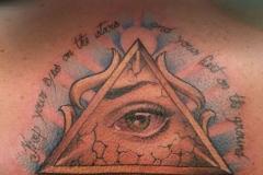 inferno-tattoo-barcelona-ojo-egipcio-color-espalda-joel-federico