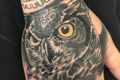 raul-leone-inferno-tattoo-barcelona-tatuaje-buho-768x1024