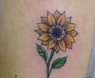 inferno-tattoo-barcelona-ilustracion-marcelo-entattoo-mediano-brazo-girasol