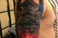 raul-leone-inferno-tattoo-barcelona-tatuaje-pagoda-768x1024