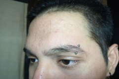 piercing-ceja-eyebrow-barcelona-perforacion-1