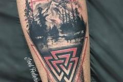 joel-federico-bieber-realismo-black-and-grey-mediano-pierna-gemelo-simbolo-vikingo-paisaje-jpg