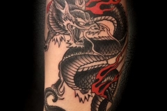 inferno-tattoo-barcelona-raul-leone-dragon-chino-negro-rojo-2-2017