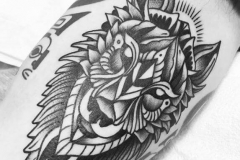 inferno-tattoo-barcelona-raul-leone-lobo-tatuaje