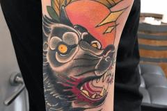 inferno-tattoo-barcelona-raul-leone-neotradicional-lobo-brazo-grande