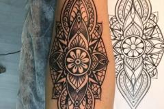 inferno-tattoo-barcelona-raul-leone-ornamental-768x1024