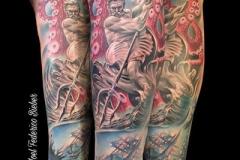 inferno-tattoo-barcelona-realismo-color-joel-federico-bieber-grande-pierna-poseidon-tesoro-hundido