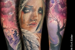 realismo-color-christian-kurt-bieber-grande-brazo-antebrazo-cara-mujer-arbol-jpg-1