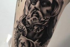 hector-mateos-inferno-tattoo-barcelona-realismo-negro-gris-clasico