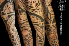 inferno-tattoo-barcelona-christian-kurt-bieber-brazo-tribal
