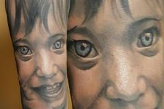 inferno-tattoo-barcelona-christian-kurt-color-retrato-grises-2017
