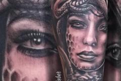inferno-tattoo-barcelona-joel-federico-bieber-ojos-serpiente