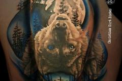 inferno-tattoo-barcelona-realismo-color-christian-kurt-bieber-grande-brazo-lobo-bosque