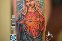 inferno-tattoo-barcelona-realismo-color-joel-federico-bieber-grande-brazo-virgen