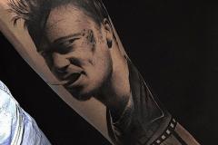 retrato-actor-tatuaje-hector-mateos