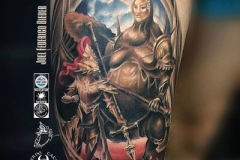 tatuaje-barcelona-realismo-color-joel-federico-bieber-grande-pierna-muslo-dark-souls