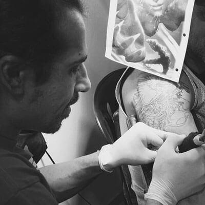 Christian Kurt Bieber tatuador residente.