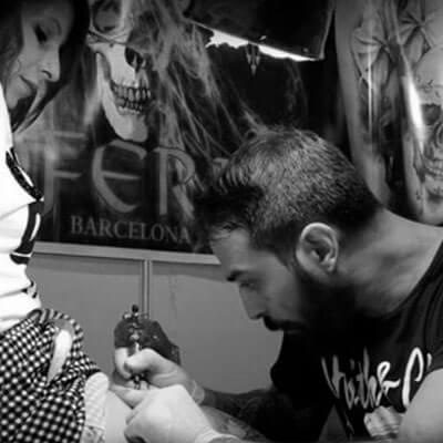 Joel Federico Bieber tatuador residente.