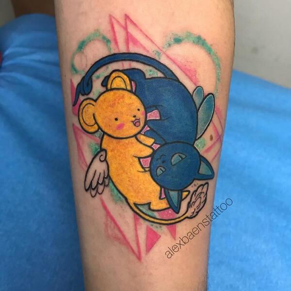Ilustración, Álex Baens. Tatuaje mediano en brazo de oso y gato.
