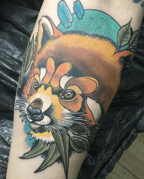 Neotradi, Raúl Leone. Tatuaje mediano en brazo de zorro.