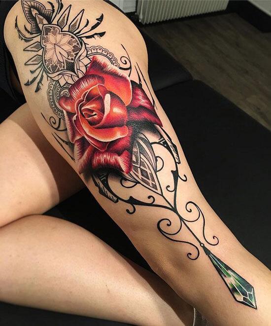 Tatuajes de rosas para mujeres en la pierna