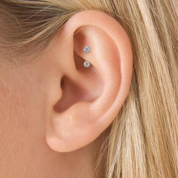 rook-piercing-en oreja