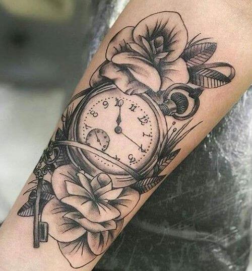 Tatuajes-de-reloj-para-mujeres