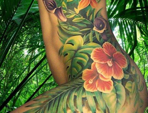 El súper tattoo floral de Addaia
