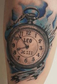 tattoo-homenaje-nacimiento-con-nombre-fecha-cierre-azul
