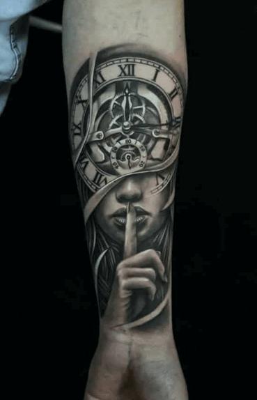 tattoo-reloj-con-retrato-mujer-misterio-realismo