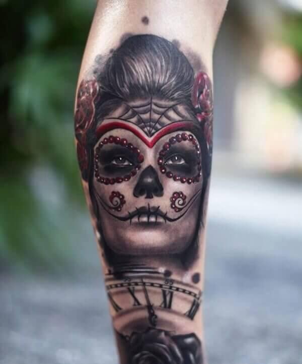 Tatuaje con reloj y catrina