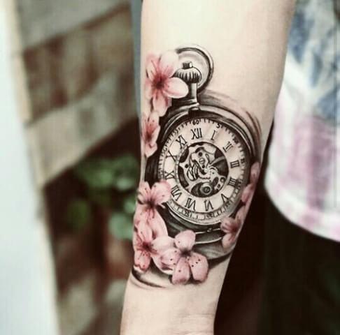atuaje-flores-rosas-reloj-pulsera