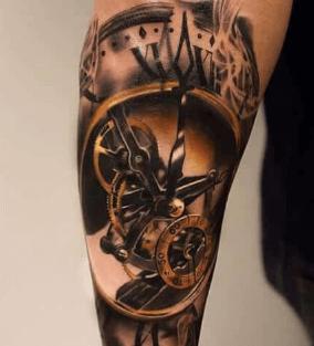 tatuaje-reloj-detalle-mecanismo-realismo
