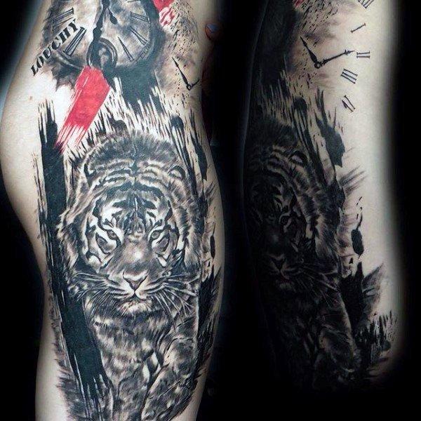 tatuaje-tigre-reloj-blackwork-trashpolka