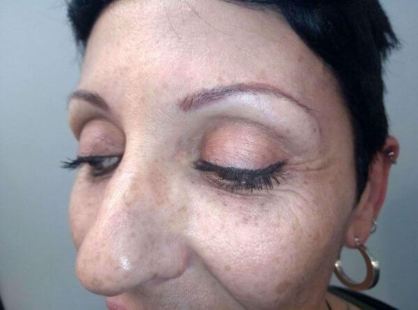 Micropigmentación, antes: cejas pelo a pelo