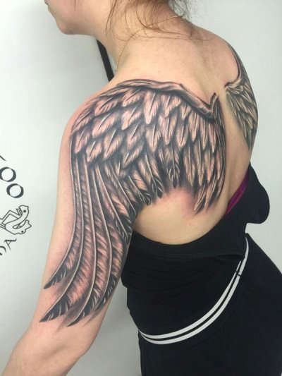 realismo-negro-y-gris-joel-federico-bieber-grande-brazo-espalda-alas-angel-jpg