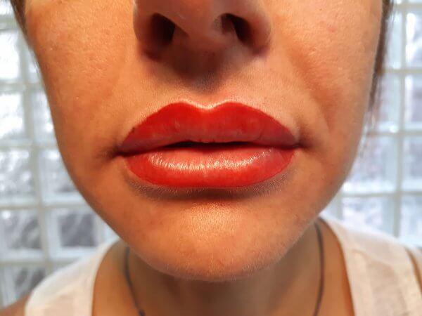 Imagen del después de maquillaje permanente labios