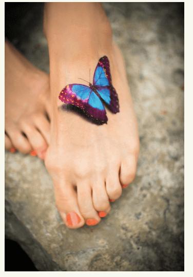Tatuajes pequeños para mujeres, mariposa